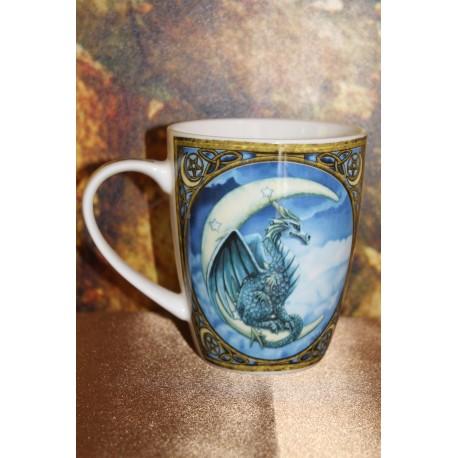 Mug en porcelaine Lisa Parker représentant un dragon.