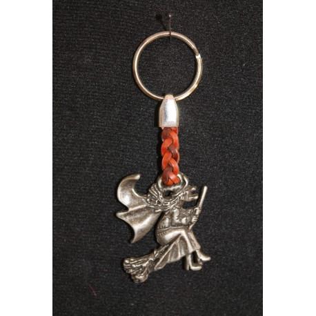 porte clefs en fer et cuir  porte bonheur sorcière