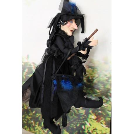 Grande sorcière porte bonheur noire, tête et mains en céramique, décoration et Halloween.